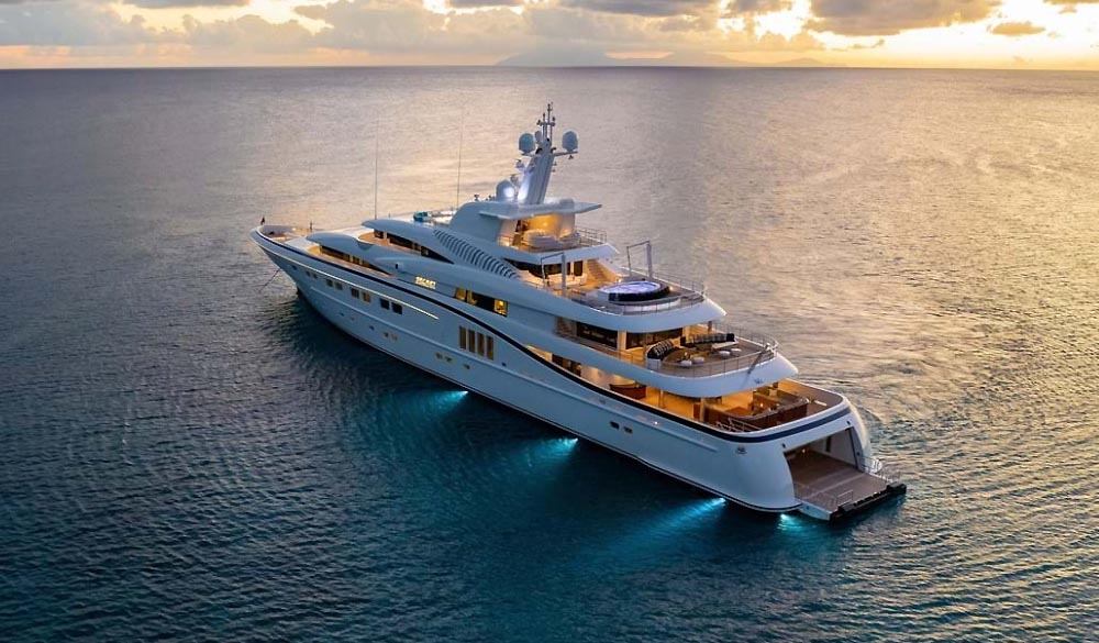 Secret Superyacht