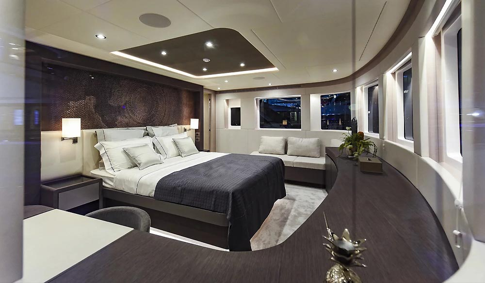 Nomad 95 Yacht by Gulf Craft